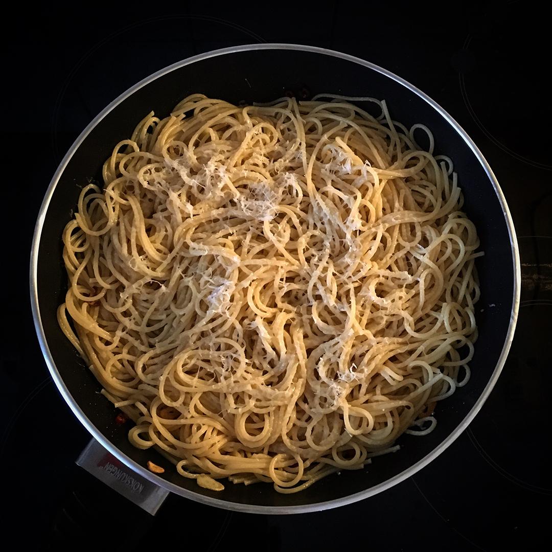 Spaghetti med chili, vitlök och olivolja