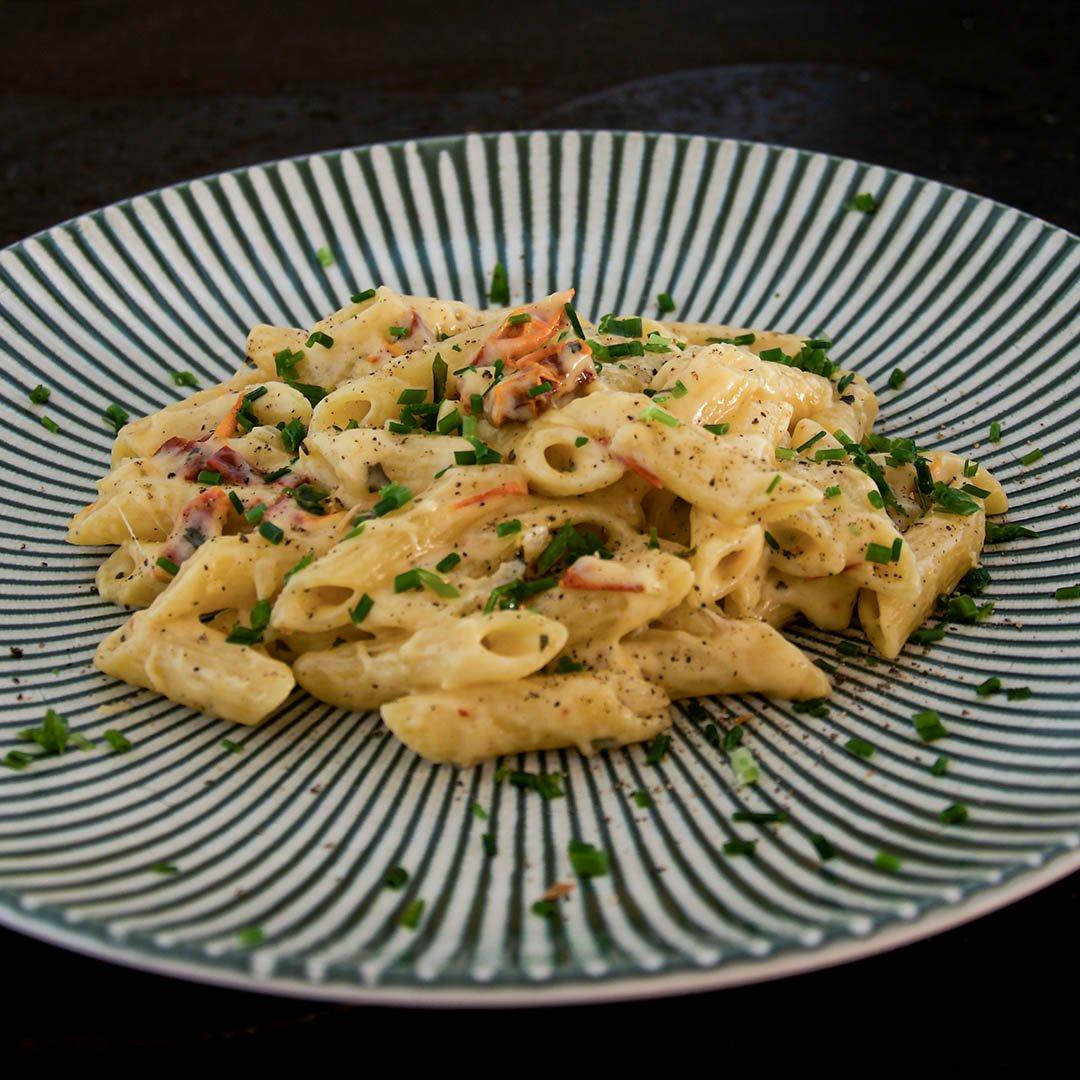 Pasta i krämig gräddost sås - Recept på snabblagad middag