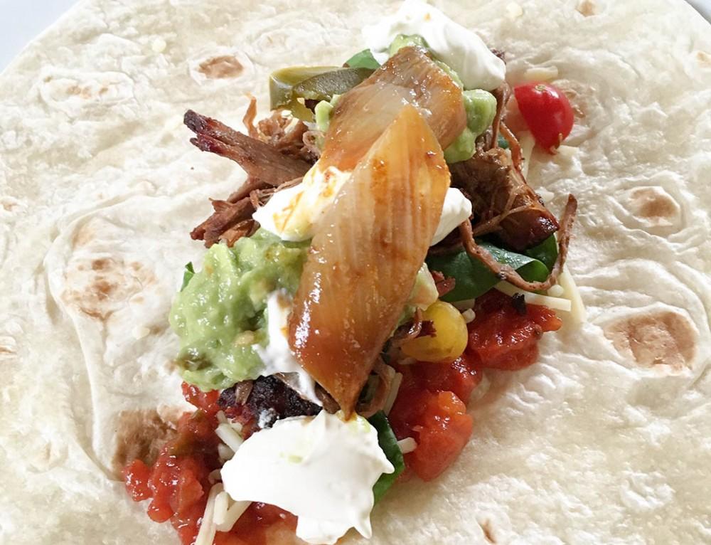 Pulled beef taco med egen tacosås och guacamole
