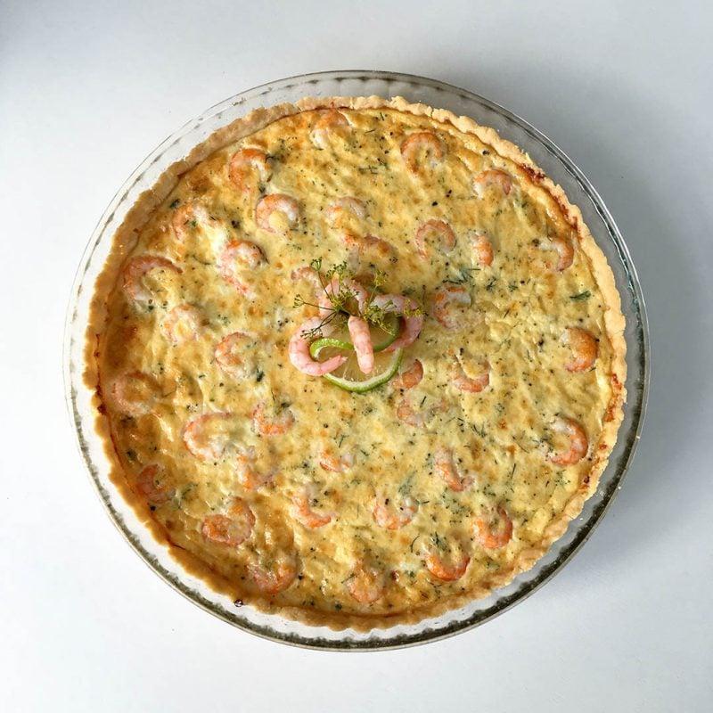 Räkpaj med dill - Recept på paj med skaldjur från havet. Servera tillsammans med en god sallad.