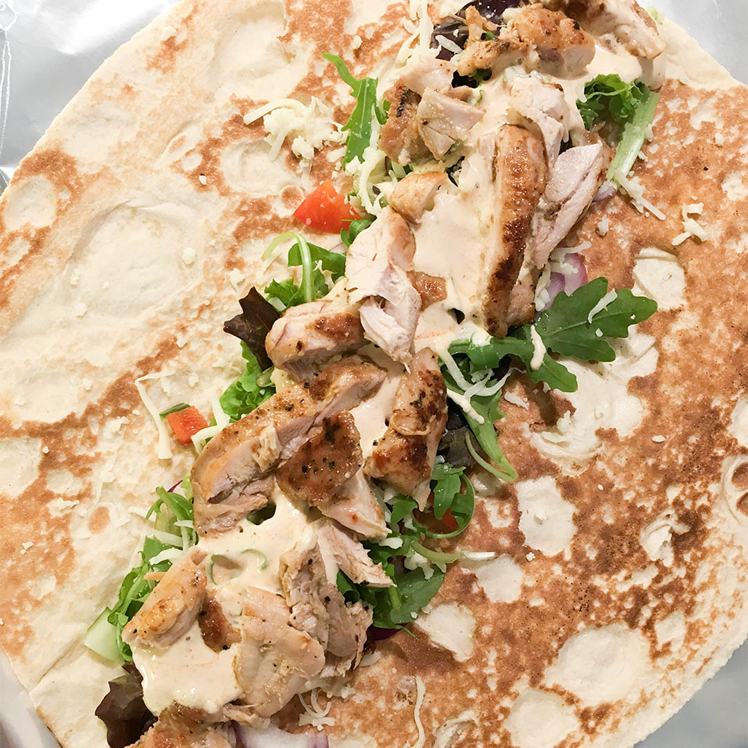 Kebabrulle på kyckling och god kebabsås.