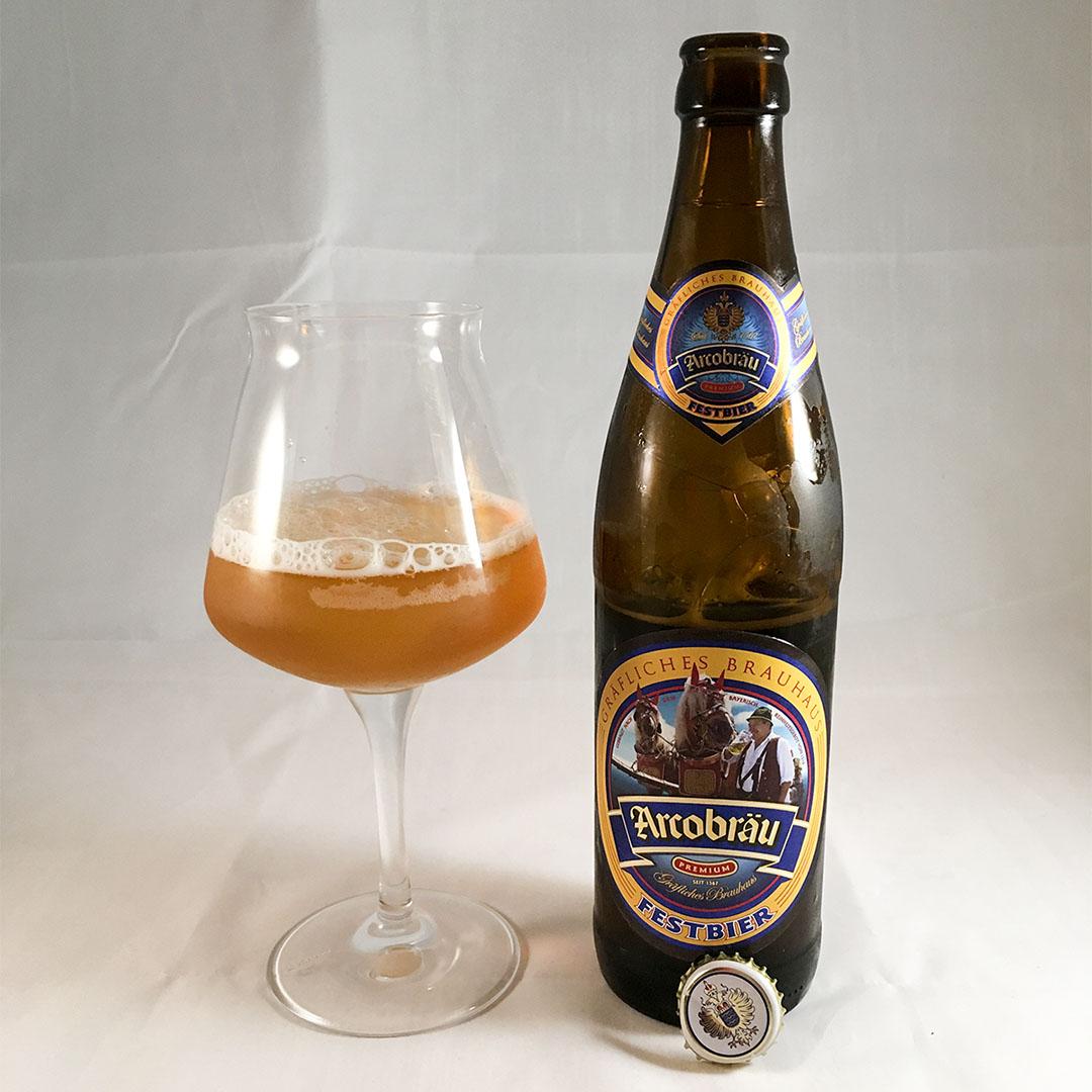 Arcobräu Festbier är varken bra eller dålig öl.