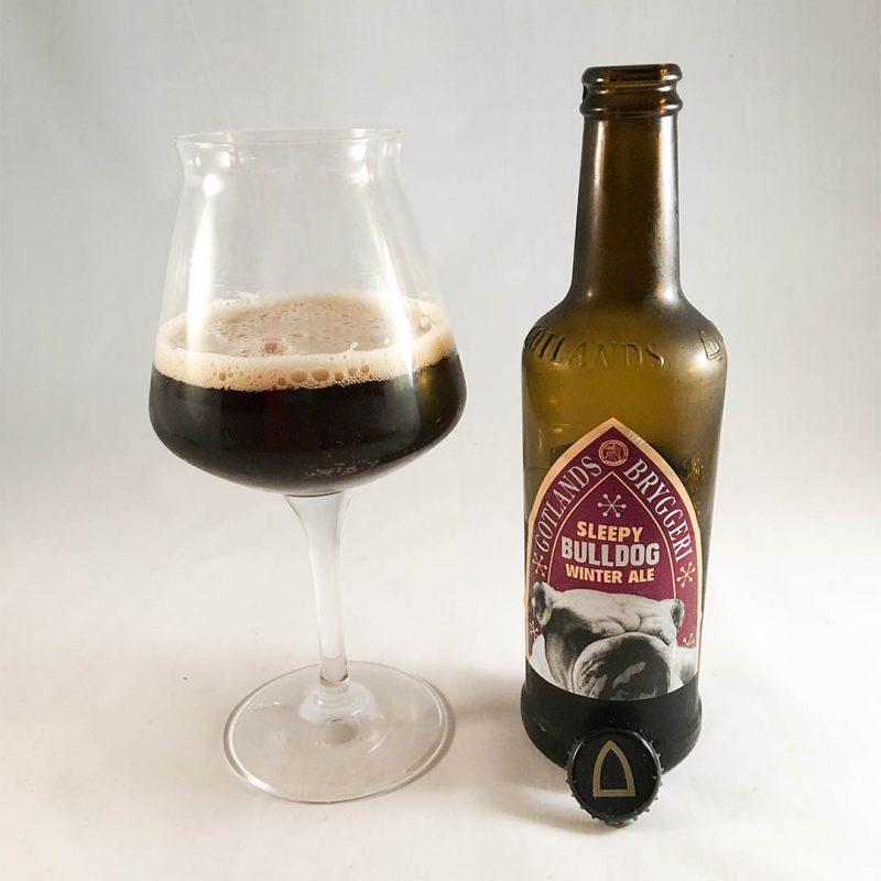 Gotlands Sleepy Bulldog Winter Ale är usch på flaska.