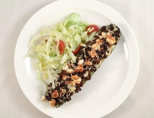 Ugnsbakad zucchini med smakfull köttfärs