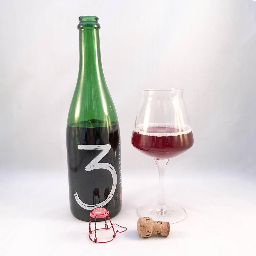 3 Fonteinen Oude Kriek har doft och smak av körsbär. Endimensionell komplex kärsbärsupplevelse på flaska.