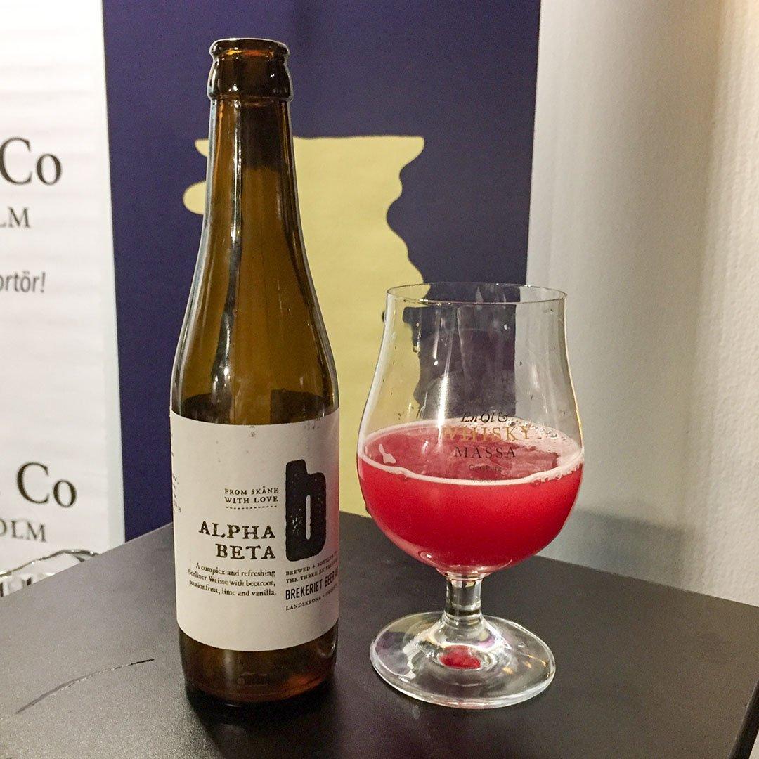 Brekeriet Alpha Beta är syrlig öl av stilen berliner weisse.