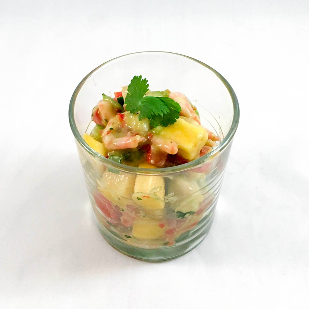 Räkceviche med asiatiska smaker är god uppfriskande förrätt.