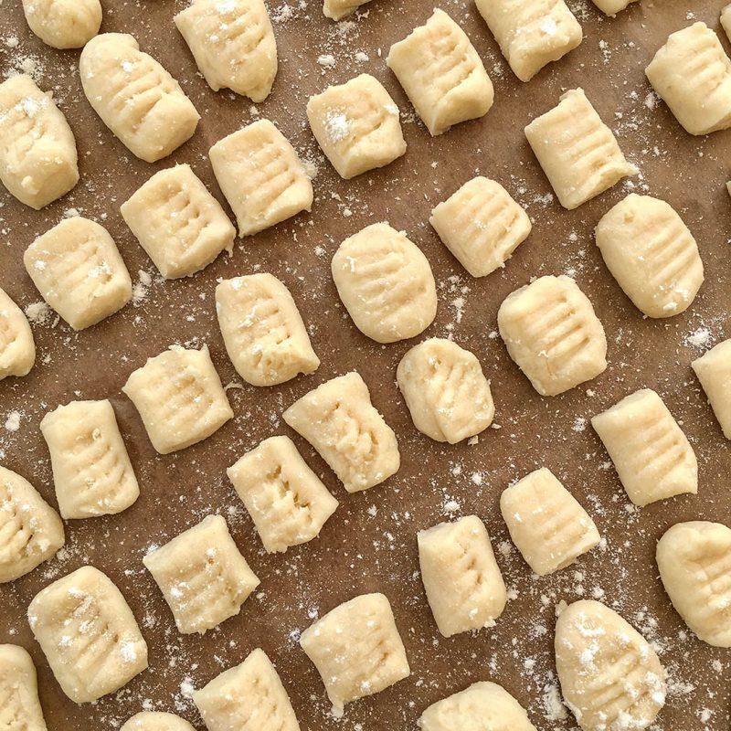 Hemgjord gnocchi som DU lyckas med. Du vill inte köpa den fabriksproducerade igen.