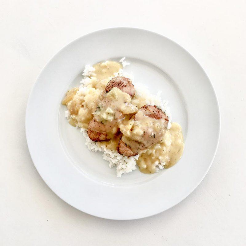 Kyckling med mango chutneysås och ris är lättlagad god middag.