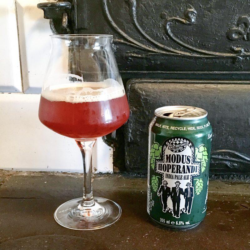 Modus Hoperandi India Pale Ale är välsmakande öl som jag inhandlar titt som tätt. Gör du det också?