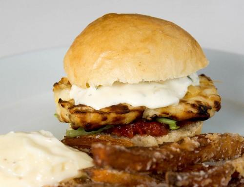 Halloumiburgare är välsmakande vegetarisk hamburgare