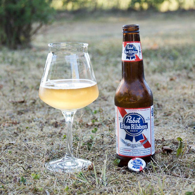 Pabst Blue Ribbon är kanske en av de bättre vattenskadade ölen.