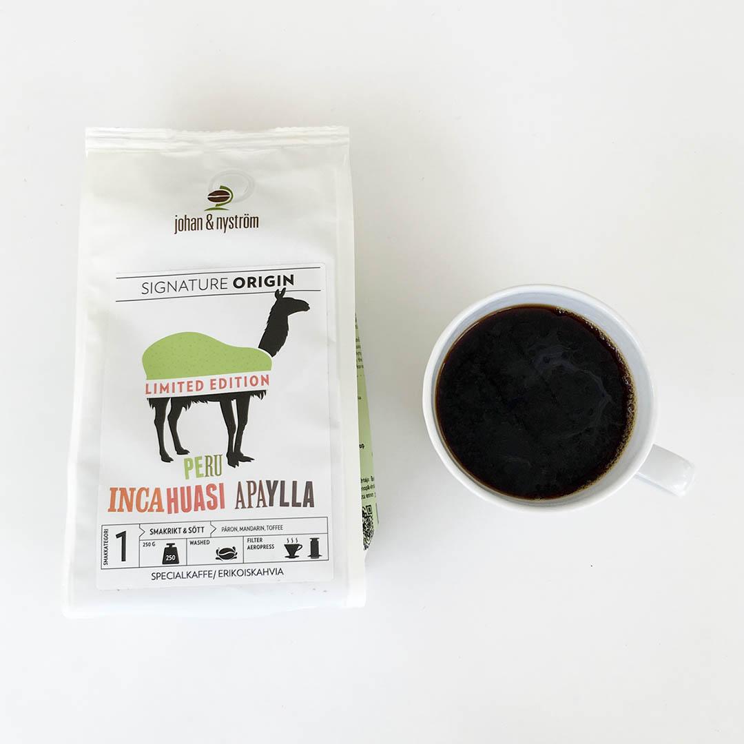 Peru Incahuasi Apaylla från Johan & Nyström är välsmakande kaffe som passade fint till en bit choklad.