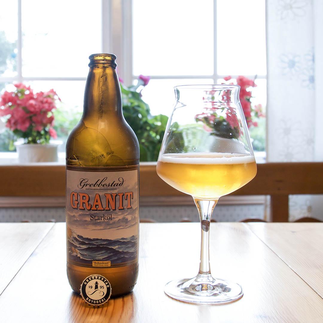 Grebbestad Granit har en frisk och balanserad god smak och passar att dricka som sällskapsdryck eller till middagen.
