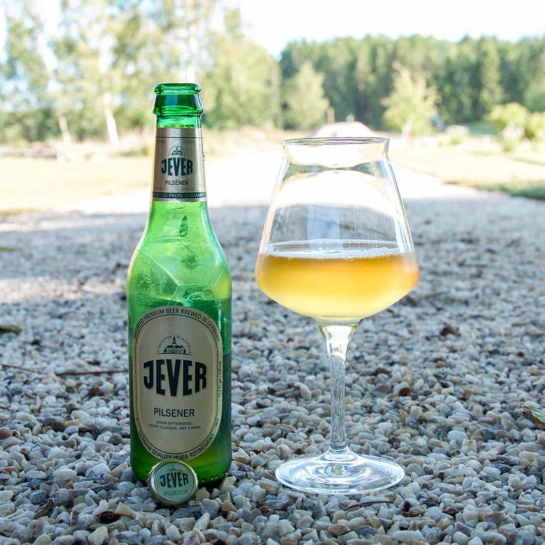 Jever Pilsener är en rätt trevlig och lättdrucken öl av stilen pilsner.