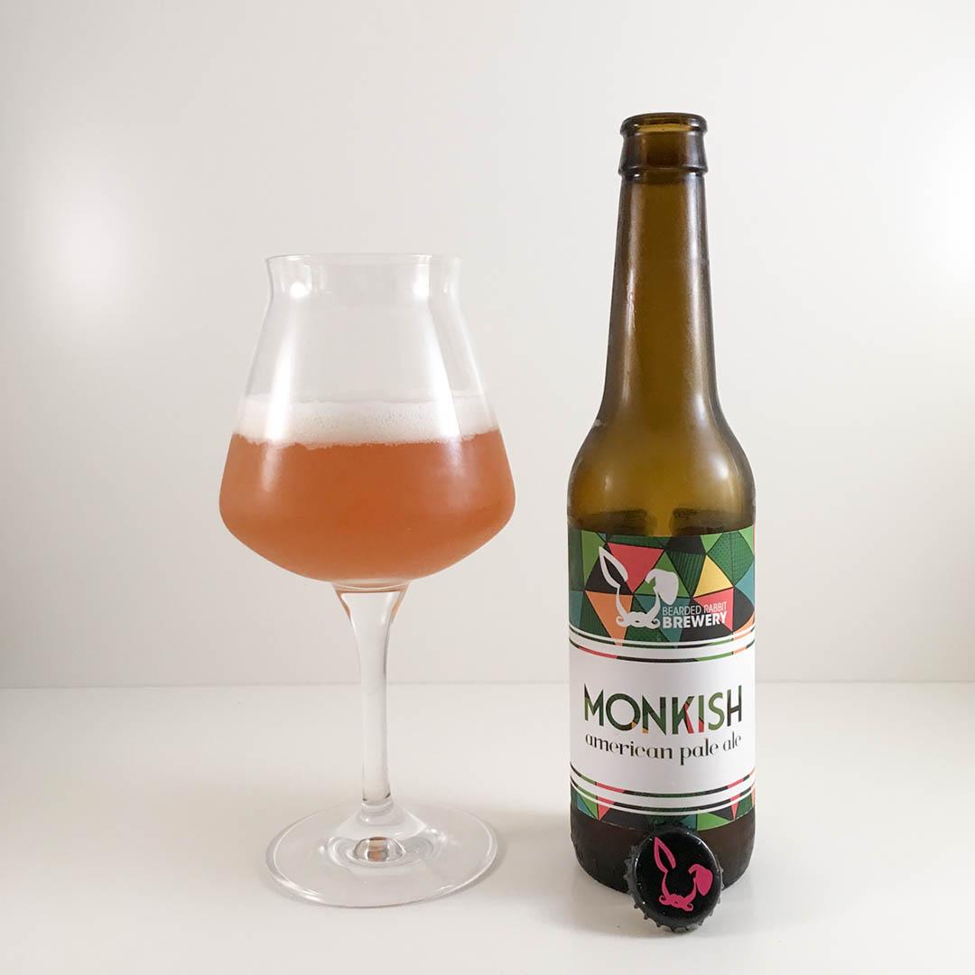 Monkish American Pale Ale från Bearded Rabbit Brewery är en rätt god öl faktiskt. Men den är lite slätstruken.
