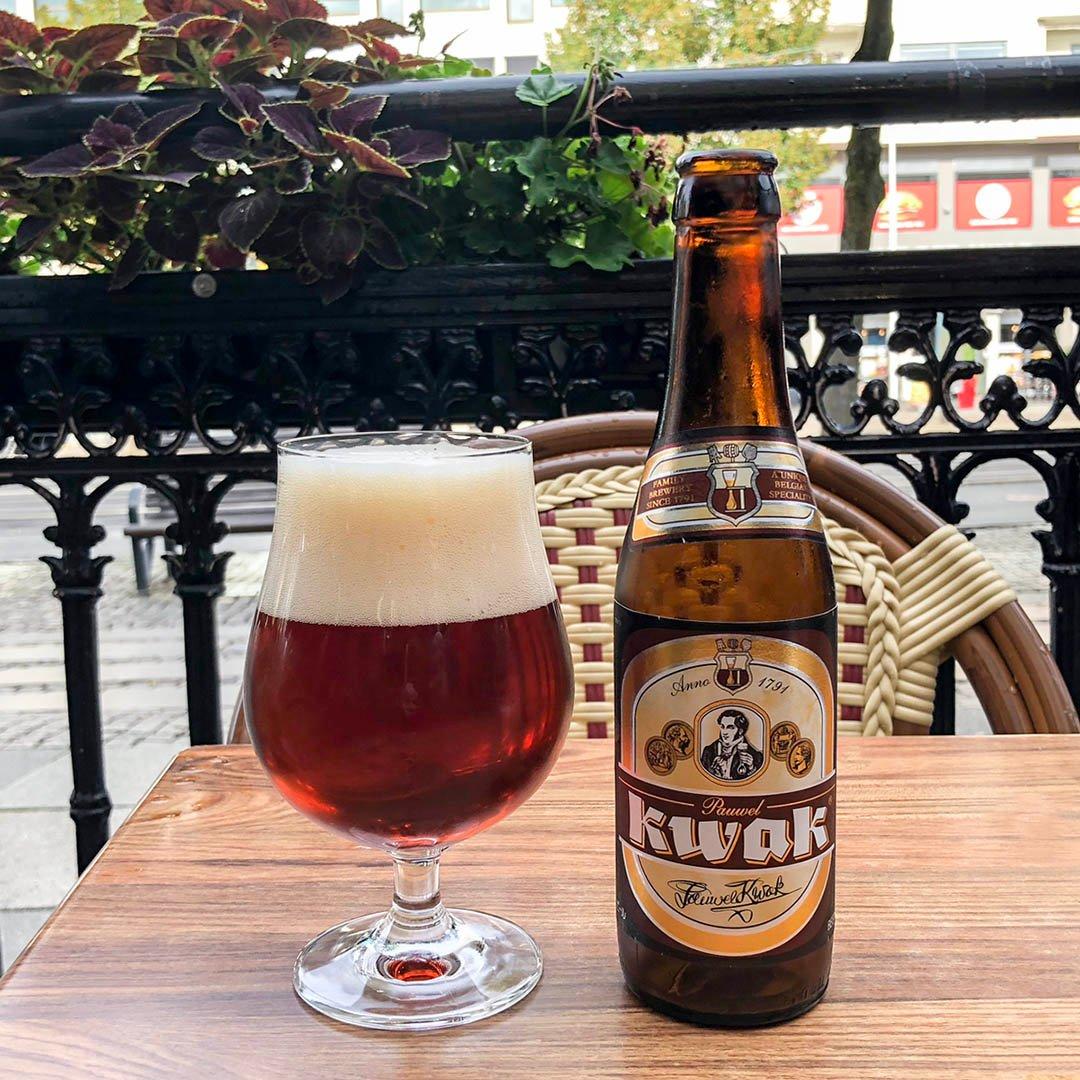 Pauwel Kwak är komplex och välsmakande belgisk öl. God att dricka som sällskapsdryck eller till mat.