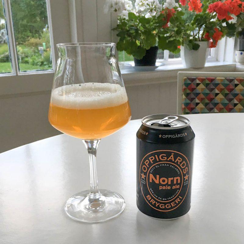 Oppigårds Norn Pale Ale har trevlig smak av tropisk frukt.