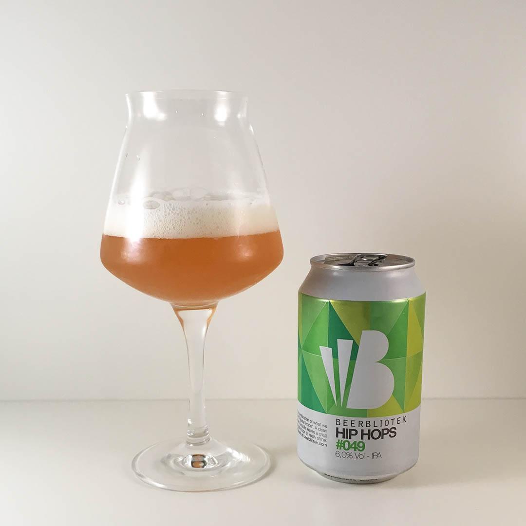 Beerbliotek Hip Hops #049 har humlearomatisk tropisk doft och smak.