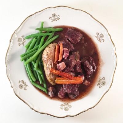 Boeuf bourguignon är smakfull höstmiddag som du även kan servera på våren, sommaren eller vintern.