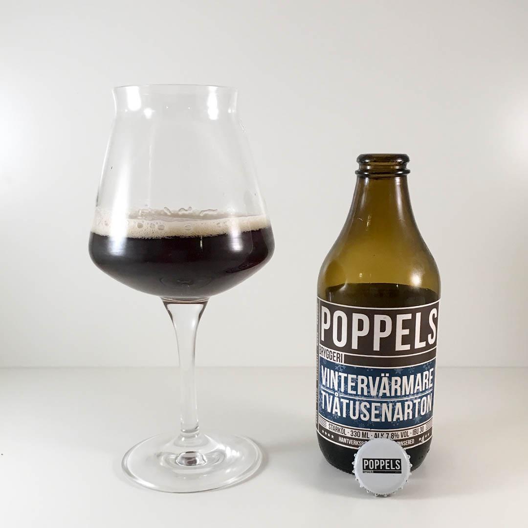 Poppels Vintervärmare Tvåtusenarton är en trevlig vintervärmare. Passar att dricka som sällskapsdryck eller till julskinkan.