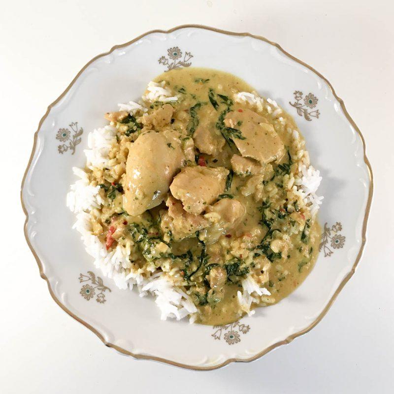 Palak chicken - Recept på lättlagad middag som du serverar med ris och gärna ett naanbröd till.
