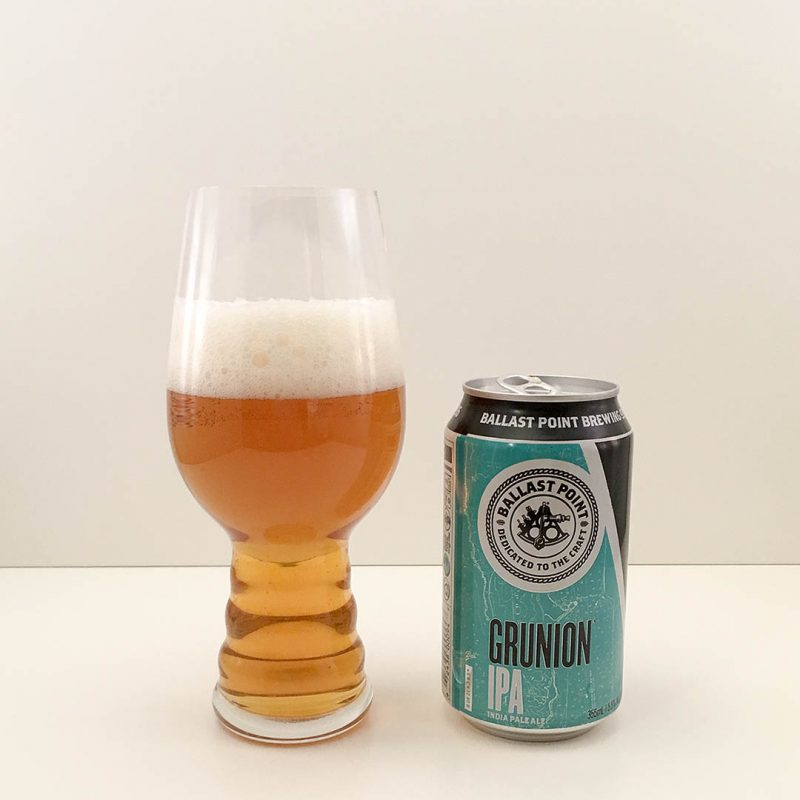 Ballast Point Grunion IPA är lite mesig men prisvärd öl.