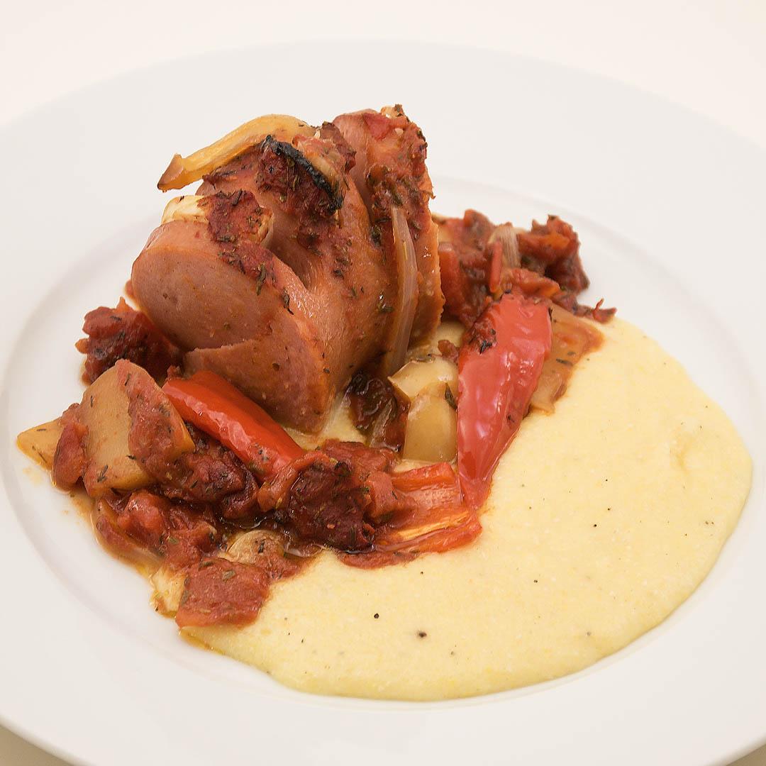 Ugnsstekt falukorv med polentamos är smakfull middag som alla lyckas med.
