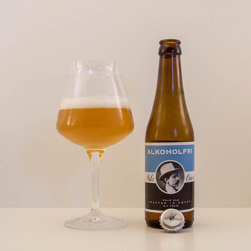 Nils Oscar Alkoholfri Pale Ale är inte så prisvärd öl. Det drar ner betyget något.