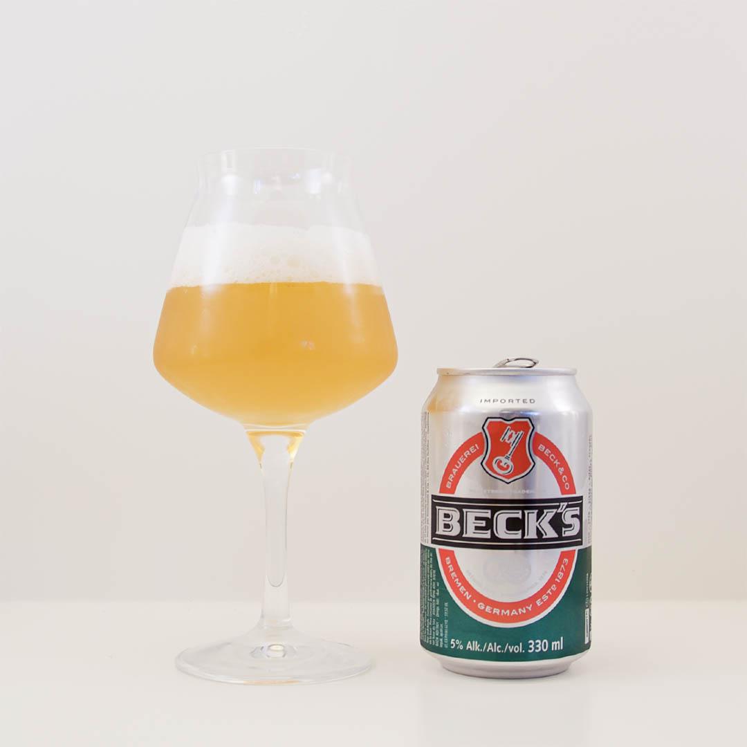 Beck's doftar välanvänd disktrasa och smaken är inte bättre. Detta är nej tack på burk.