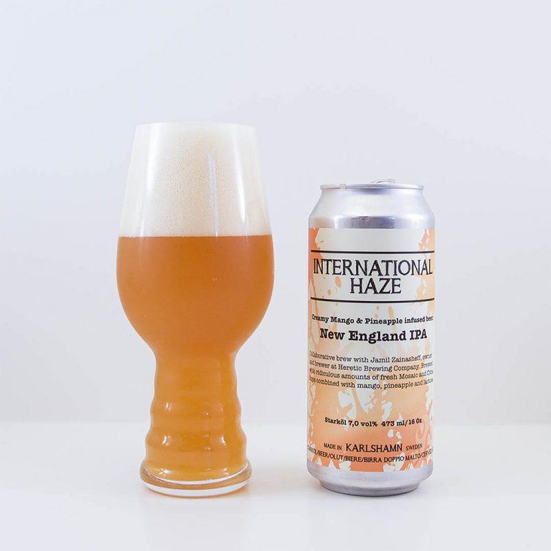 International Haze från brygghus 19 är en New England IPA, som framställts i samarbete med Jamil Zainasheff från Heretic Brewing Company.