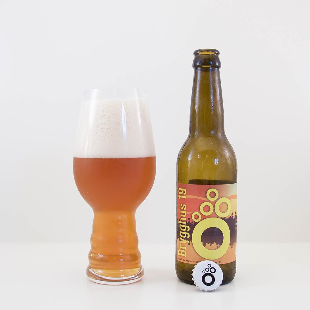 Passion IPA från Brygghus 19 har tropiska smaker och dofter på flaska.