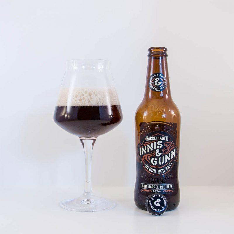 Blood Red Sky från Innis & Gunn är en tråkig öl och lite platt i smaken.