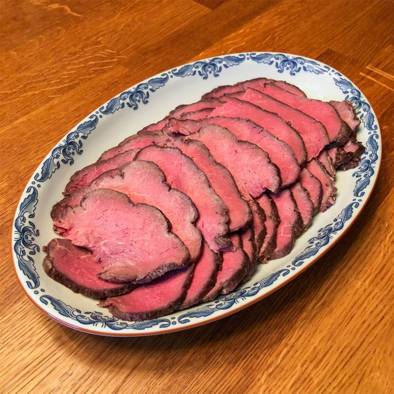 Rostbiff i ugn - Recept som du lyckas med. Du kommer få ett saftigt och mört kött.
