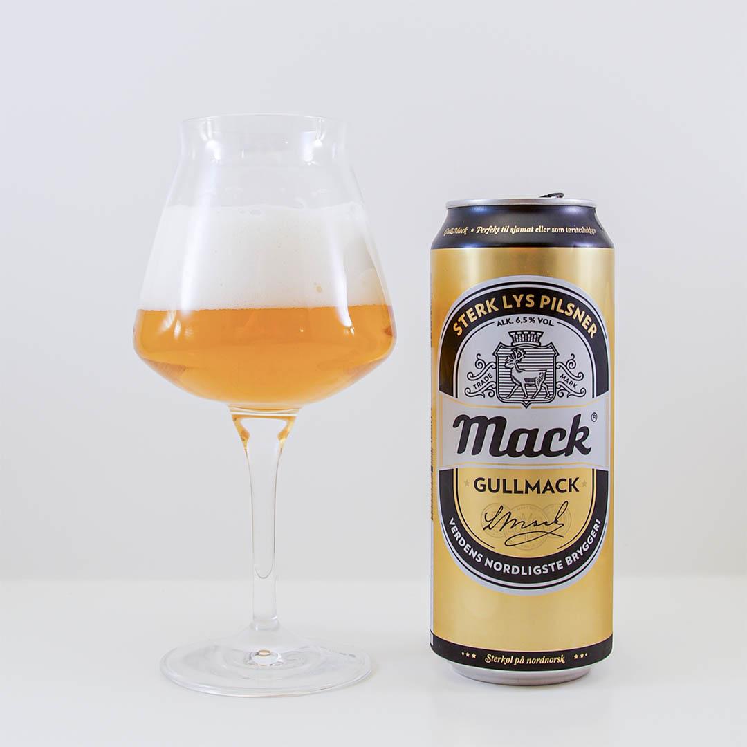 Gullmack från Macks Ølbryggeri är en stark pilsner, där tonen av alkohol går igenom.
