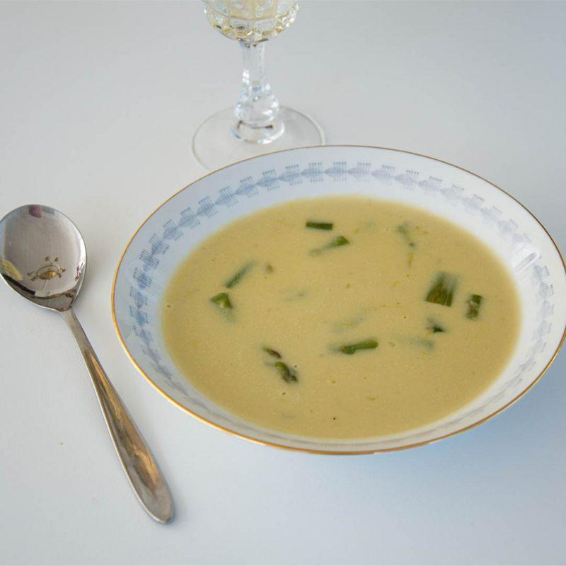 Sparrissoppa - Recept på matsmart soppa på grön sparris.