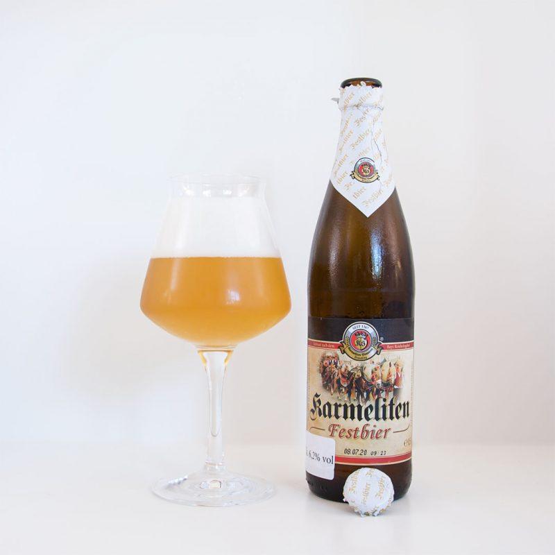 Karmeliten Festbier från Karmeliten Brauerei har doft och smak av...