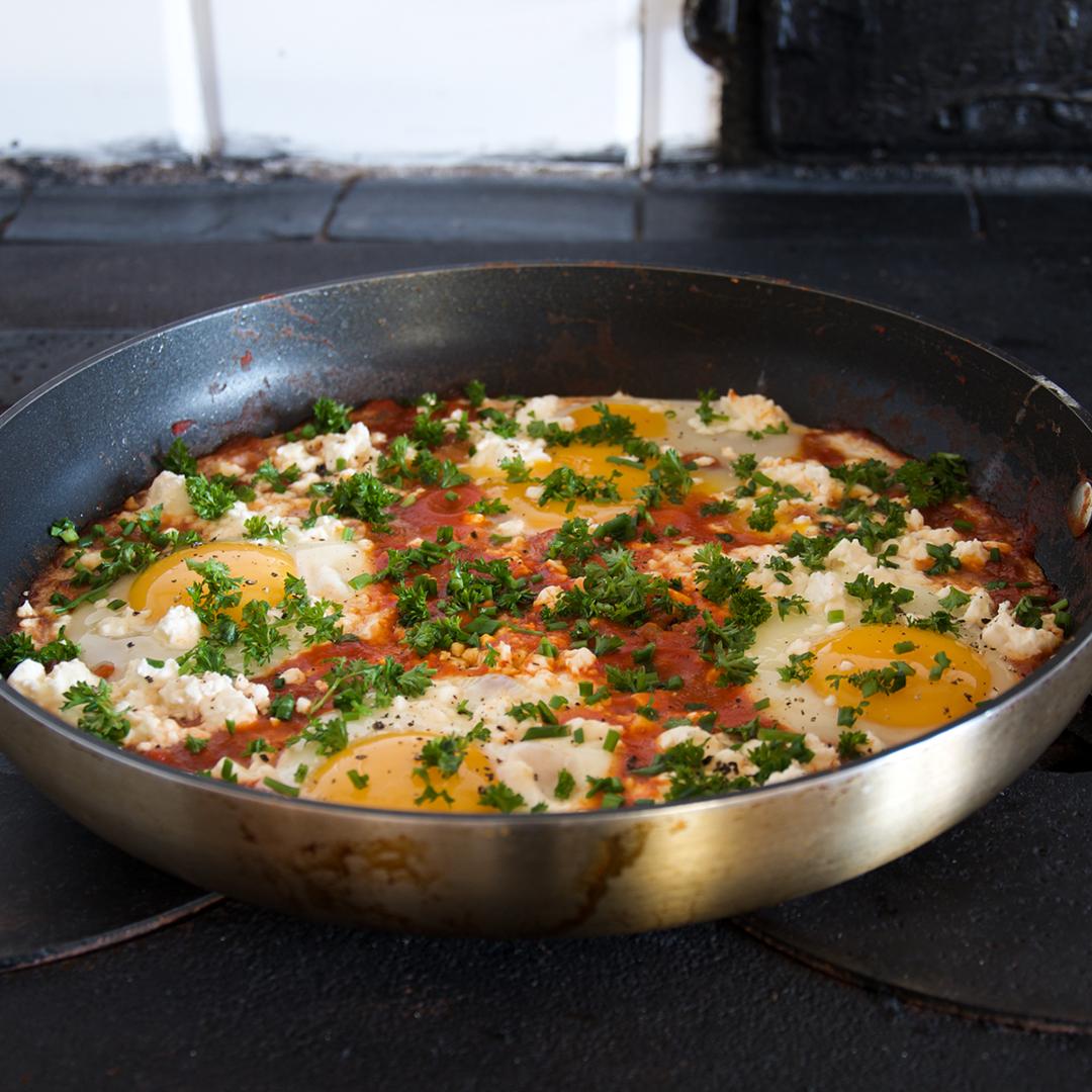 Shakshuka - Recept på äggrätt från Tunisien och som är populär i Nordafrika och Mellanöstern.