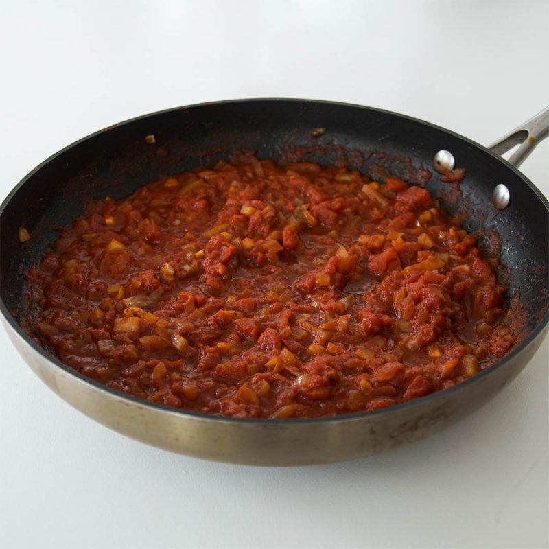Tacosås - Recept på egen tacosås till fredagstacosen. Ett lättlagat recept som du lyckas med.