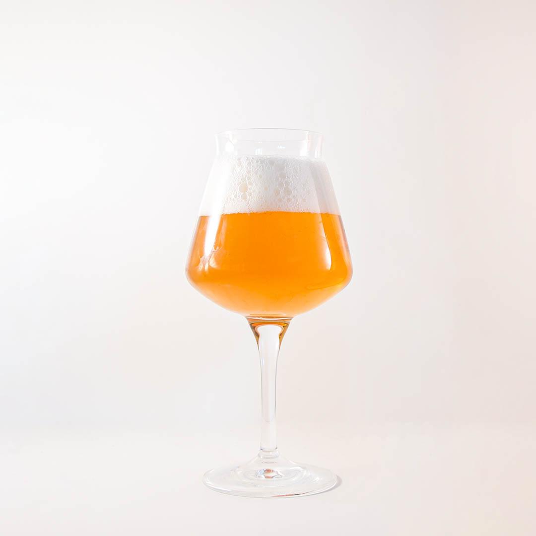 Teku ölglas är bästa allroundglaset för öl. Ölglaset passar för i princip alla ölstilar.
