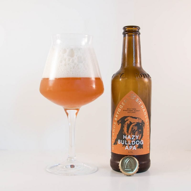 Hazy Bulldog APA från Gotlands Bryggeri är en välsmakande öl.
