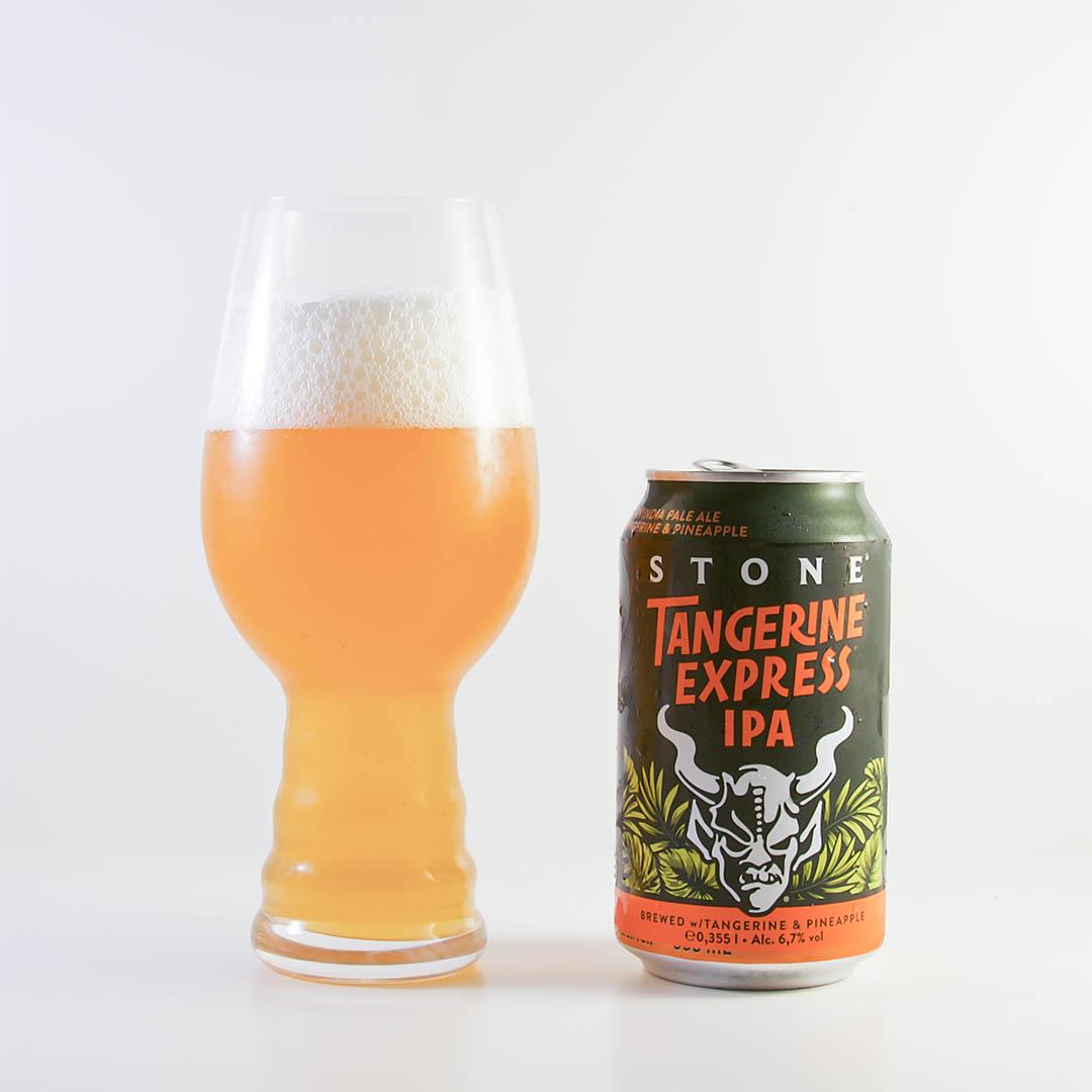 Stone Tangerine Express IPA från Stone Brewing Co. försvinner lite i mängden av all annan öl.