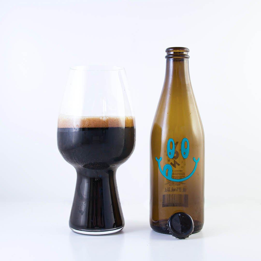 Omnipollo Noa Pecan Mud Cake är komplex öl där bland annat hela vaniljstänger används.