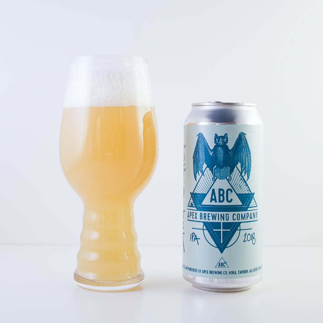 Apex Single Hop IPA har smak av tropisk frukt. Gott är det också tycker jag.