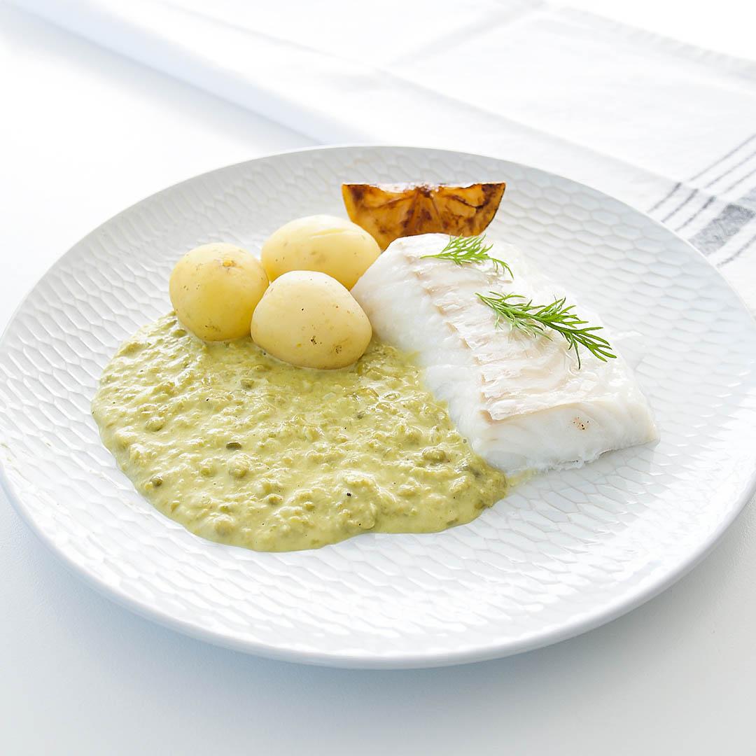 Torskrygg med crème ninon och kokt potatis är välsmakande middag.