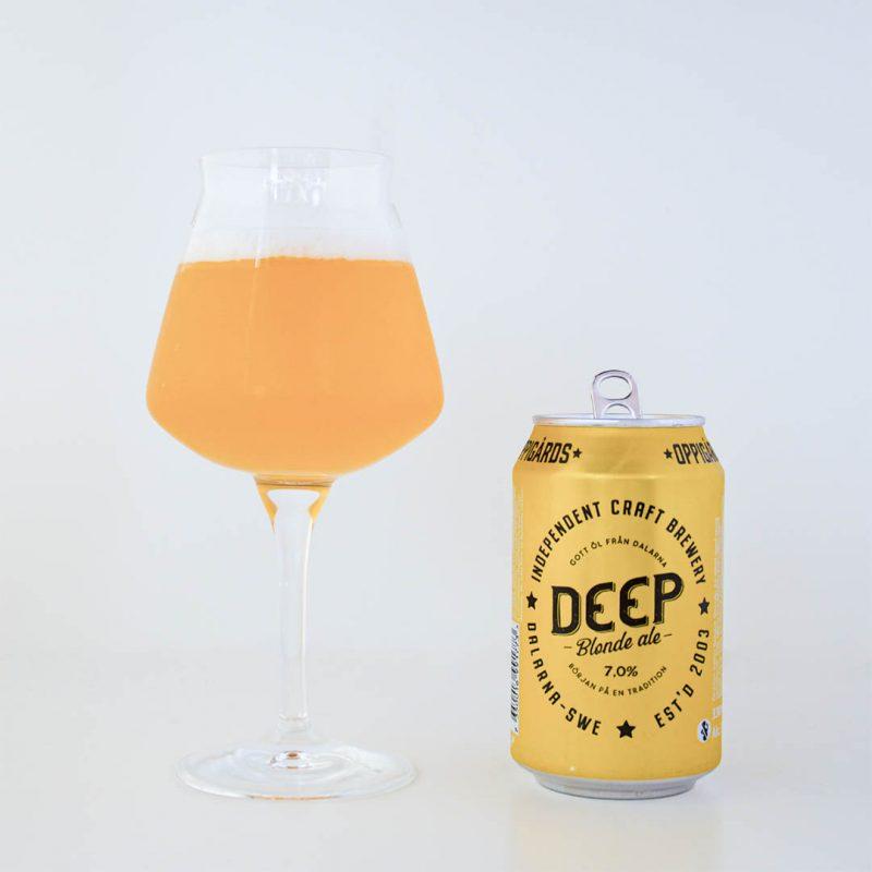 Oppigårds Deep Blonde Ale från Oppigårds Bryggeri har belgiska smaker.