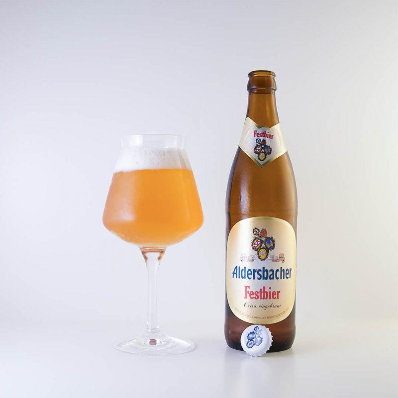 Aldersbacher Oktoberfestbier från Brauerei Aldersbach är trevlig allroundöl.